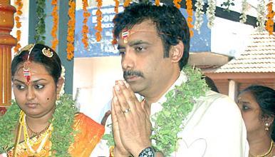 kushboo and karunanidhi relationship