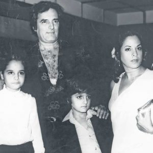 Feroz khan wutg wife Sundari and children Fardeen and Laila