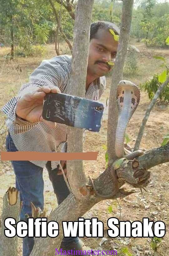 selfi with a snake